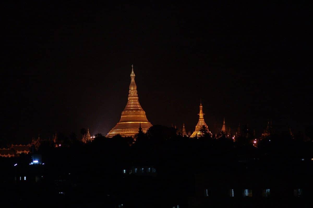 Shwedangon-pagoda-yangon-myanmar