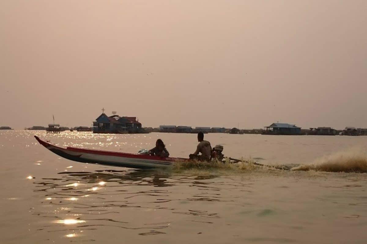 Pueblo Flotante Camboya