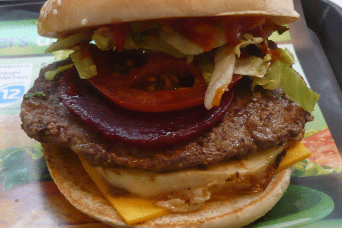 hamburguesa con remolacha platos tipicos de australia