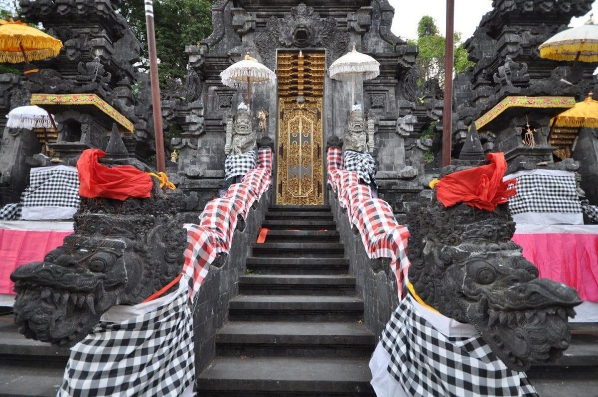 templo Pura Goa Lawah Bali