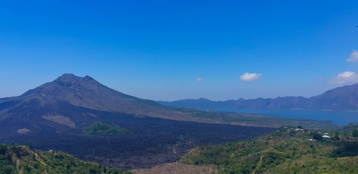 monte y lago Batur Bali