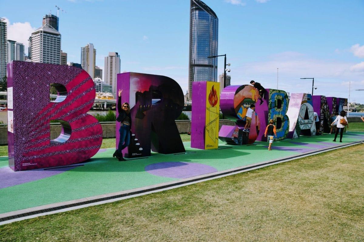Foto en letras Brisbane. Que hacer en la ciudad