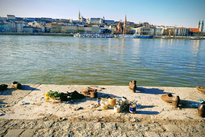 Monumento de los zapatos de Budapest
